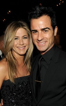 jennifer-aniston-justin-theroux-DGA-012812-01.jpg